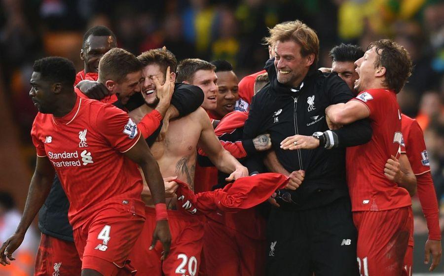 Juergen Klopp mit Liverpool Spielern